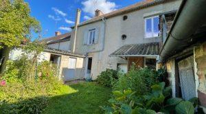 Réf 2104 Maison de bourg 140 m² à restaurer